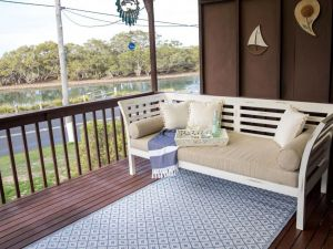 Kookas Nest - waterfront home tranquil setting - QLD Tourism