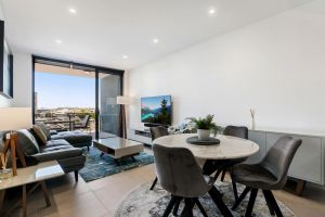 Luxury Living with Panoramic Views - QLD Tourism