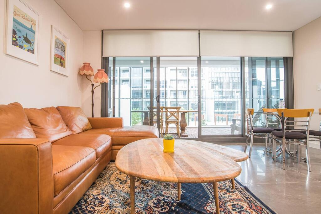 Modern 1bed1study Apt near Station  MQ Centre - QLD Tourism