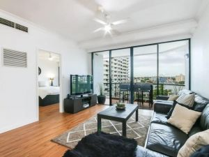 Modern 2 Bedroom River View Apartment in Docklands - QLD Tourism