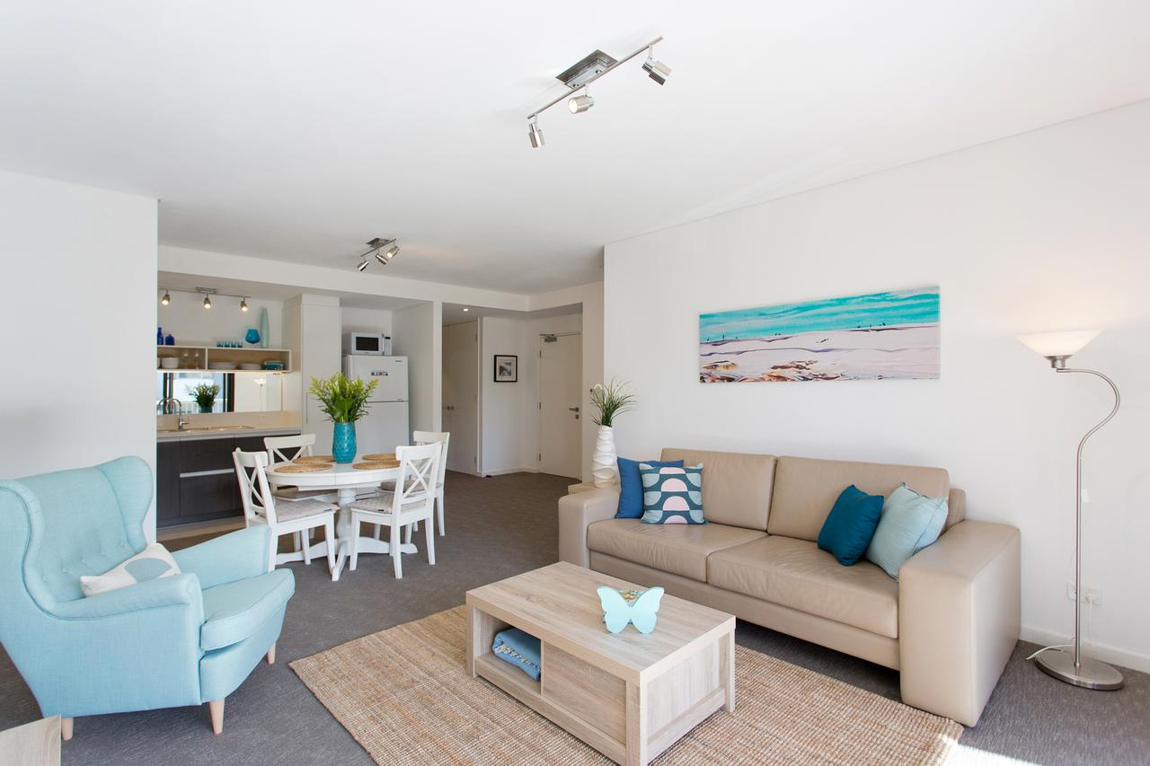 Beachside Living - South Fremantle - QLD Tourism