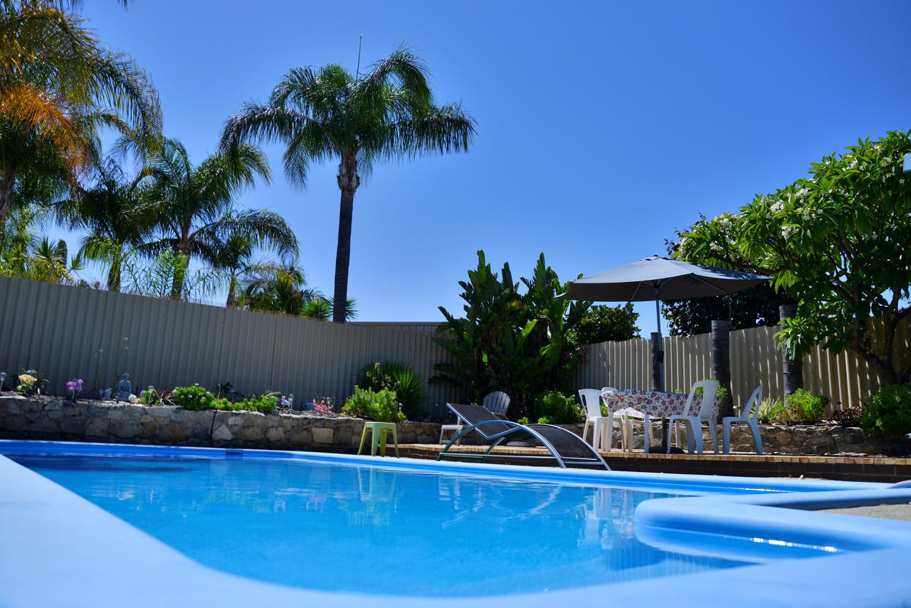 Palms Bed  Breakfast - QLD Tourism