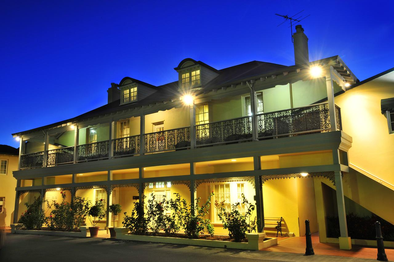 Clifton Motel  Grittleton Lodge - QLD Tourism