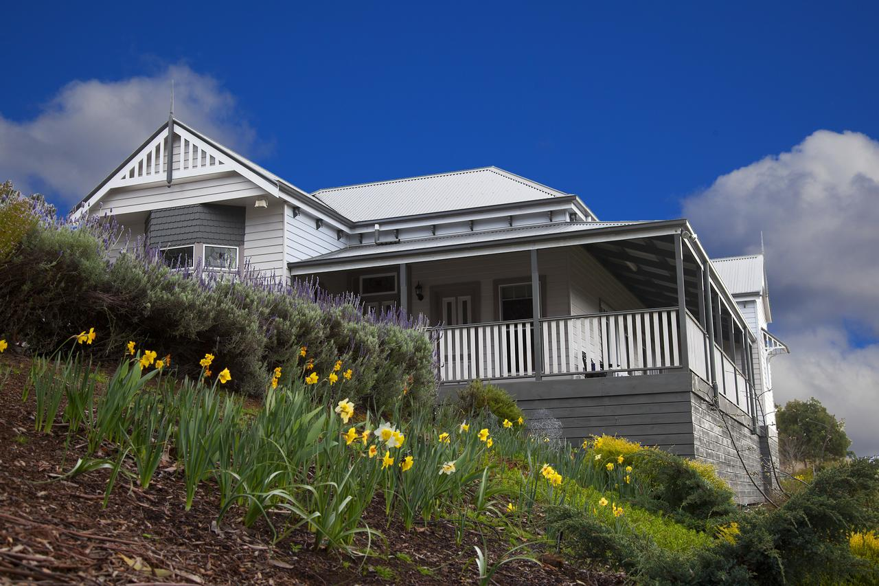 House on the Hill Bed and Breakfast - QLD Tourism