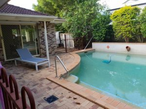 Robyn's Nest - Hosted Bed and Breakfast - QLD Tourism