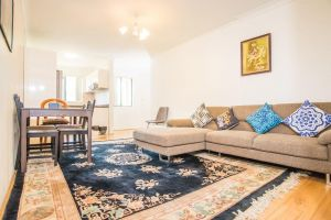 Spacious  Cozy APTHeart of Redfern Closes to CBD - QLD Tourism