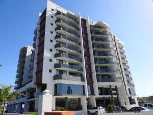 Springwood Tower Apartment Hotel - QLD Tourism