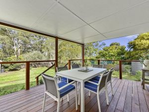 Summerfield Cottage - Hunter Valley renovated House in central North Rothbury - QLD Tourism