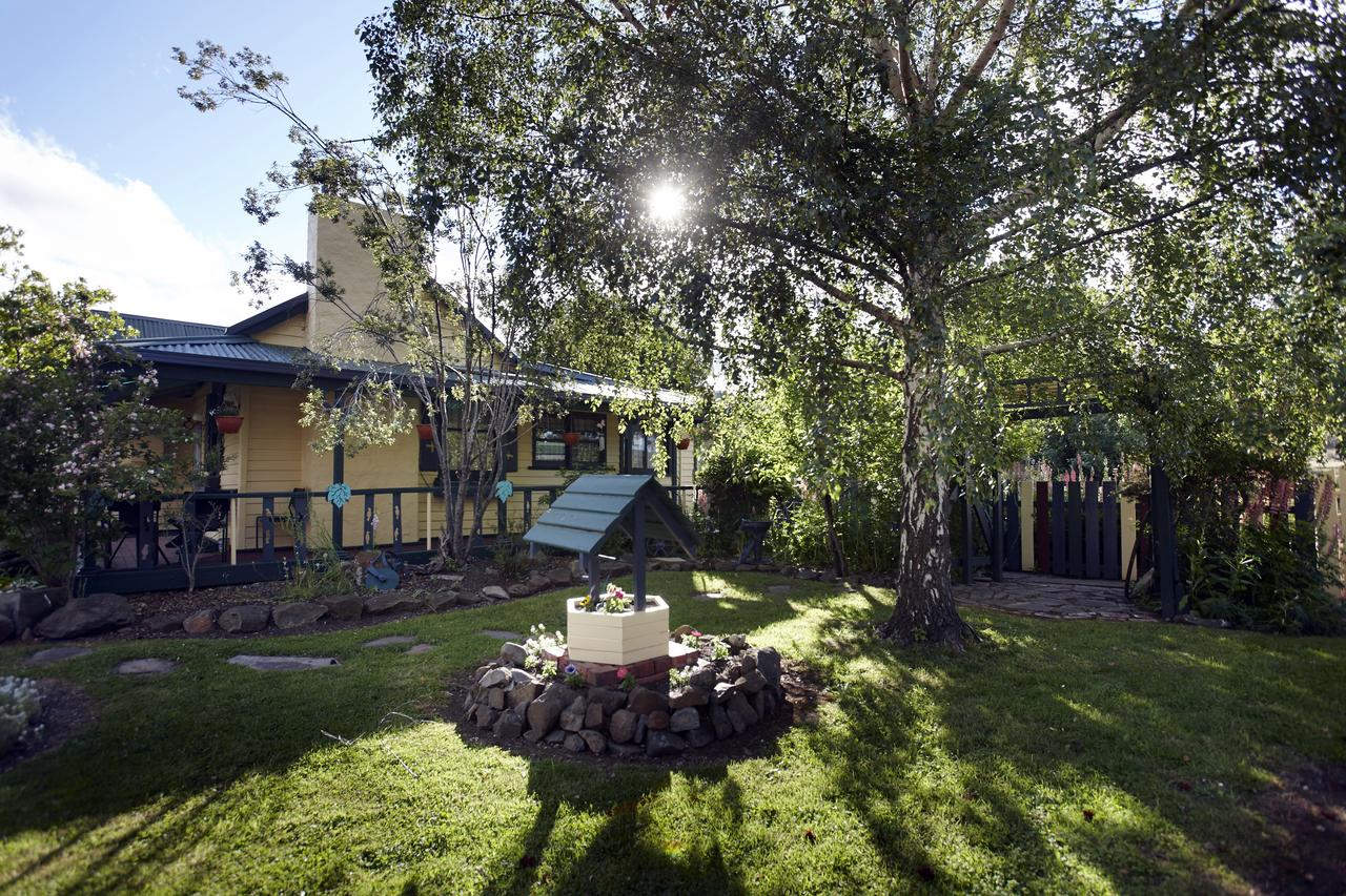 Blue Wren Riverside Cottage - QLD Tourism