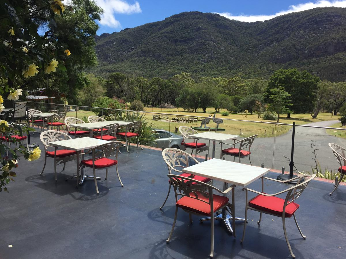 The Grampians Motel and The Views Bar  Restaurant - QLD Tourism