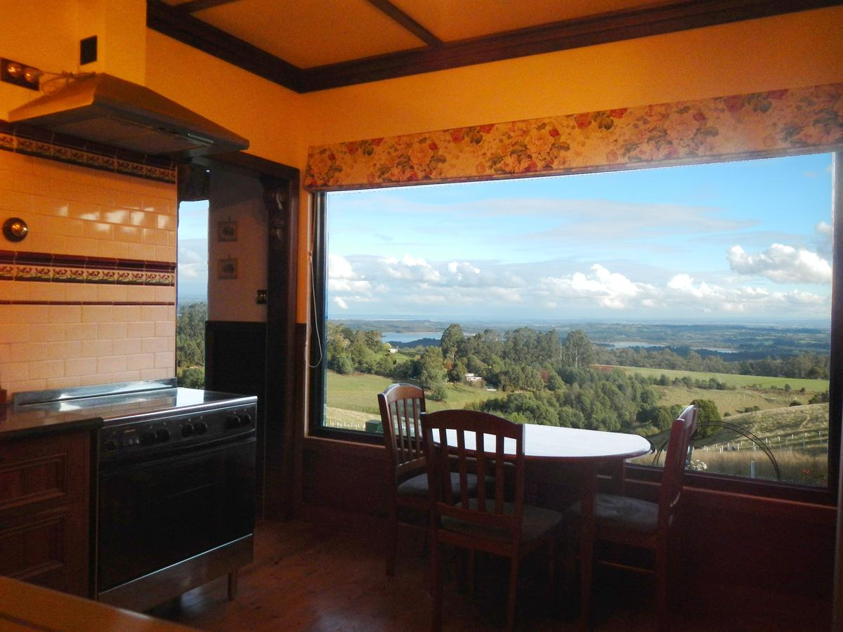A Cottage with a View at Tudor Ridge - QLD Tourism