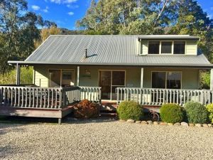 Kangurra Holiday House - QLD Tourism