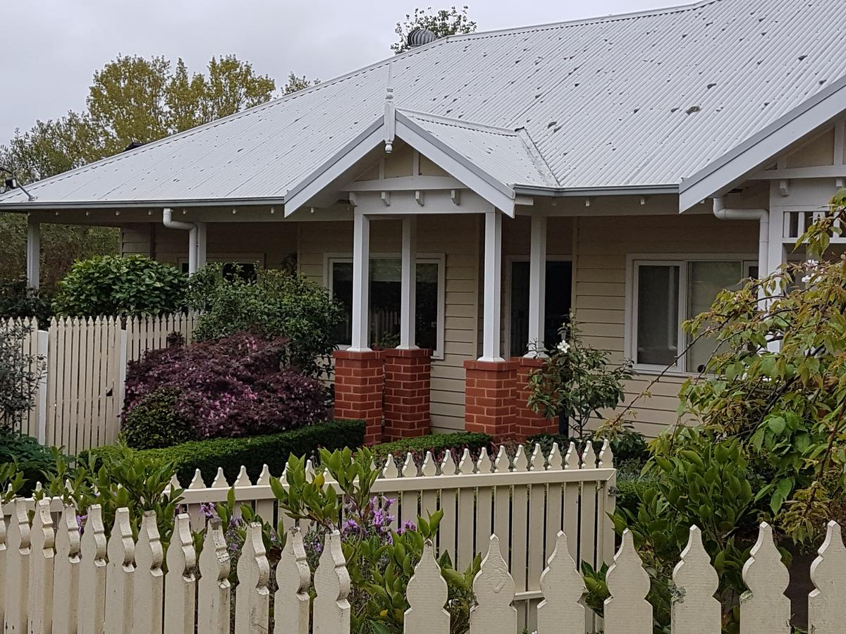 Healesville House - Fig Tree House - QLD Tourism