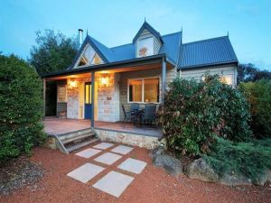 Two Truffles Cottages - QLD Tourism