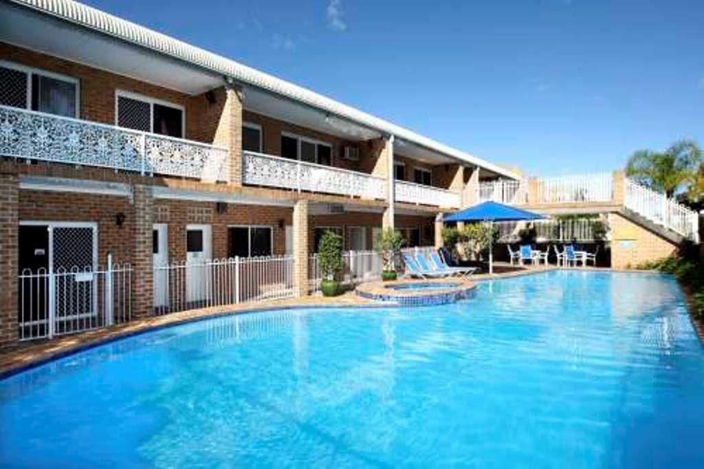 The Hermitage Motel - Campbelltown - QLD Tourism