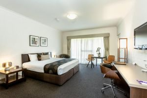 Blazing Stump Motel  Suites - QLD Tourism