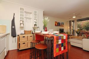 Colour Pop Fitzroy - 3 bedroom pet friendly - QLD Tourism