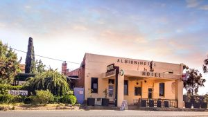 Albion Hotel and Motel Castlemaine - QLD Tourism