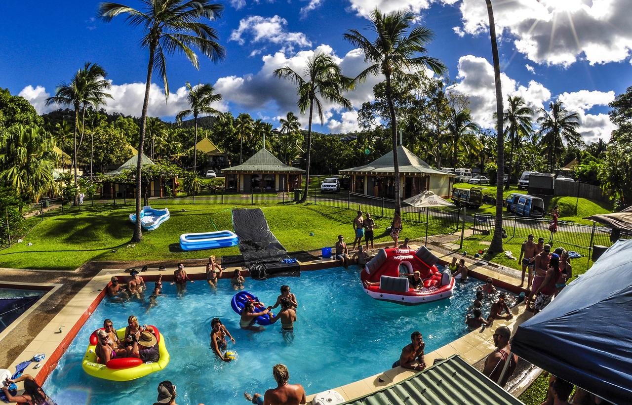 Nomads Airlie Beach - QLD Tourism
