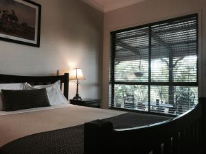 The Bearded Dragon Boutique Hotel - QLD Tourism