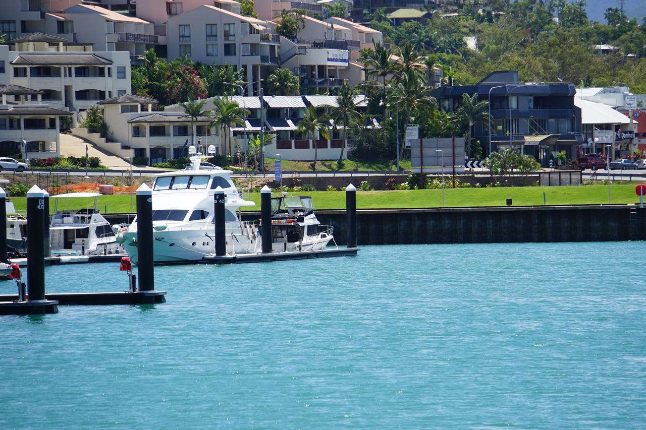 Airlie Seaview Apartments - QLD Tourism