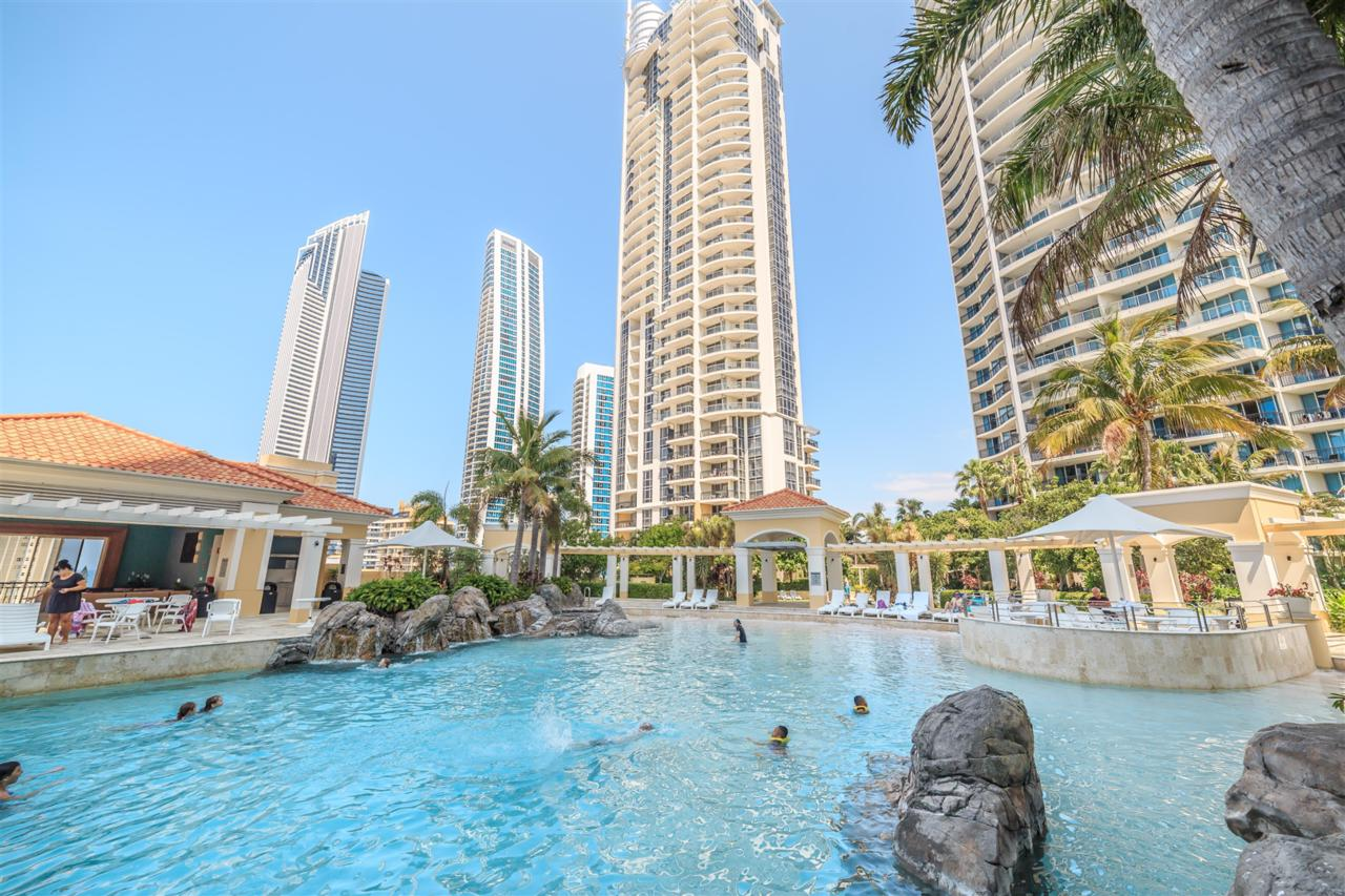 Towers of Chevron - Private Apartment - QLD Tourism