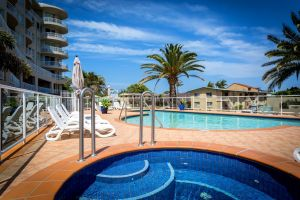 Kirra Beach Apartments - QLD Tourism