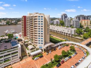 Central Dockside Apartment Hotel - QLD Tourism
