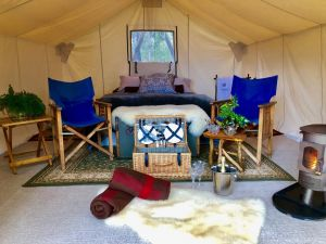 Wingtons Glamping - QLD Tourism