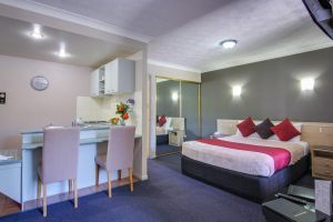 AAA Airport Albion Manor Apartments and Motel - QLD Tourism