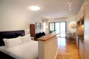 Accommodation Sydney Potts Point studio apartment with balcony - QLD Tourism