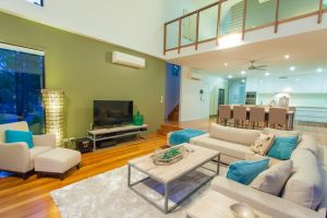 Beach Road Holiday Homes - QLD Tourism